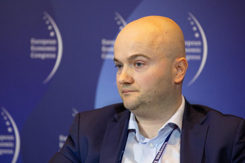 Polskie firmy dokonują 30 zagranicznych akwizycji rocznie (raport)