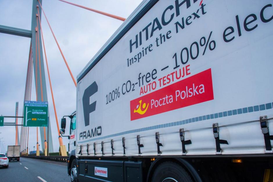 Poczta Polska i Żabka testują elektryczną ciężarówkę