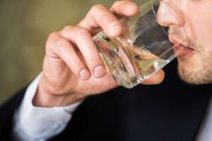 Polski model konsumpcji alkoholu nie odbiega już od europejskiego (wideo)