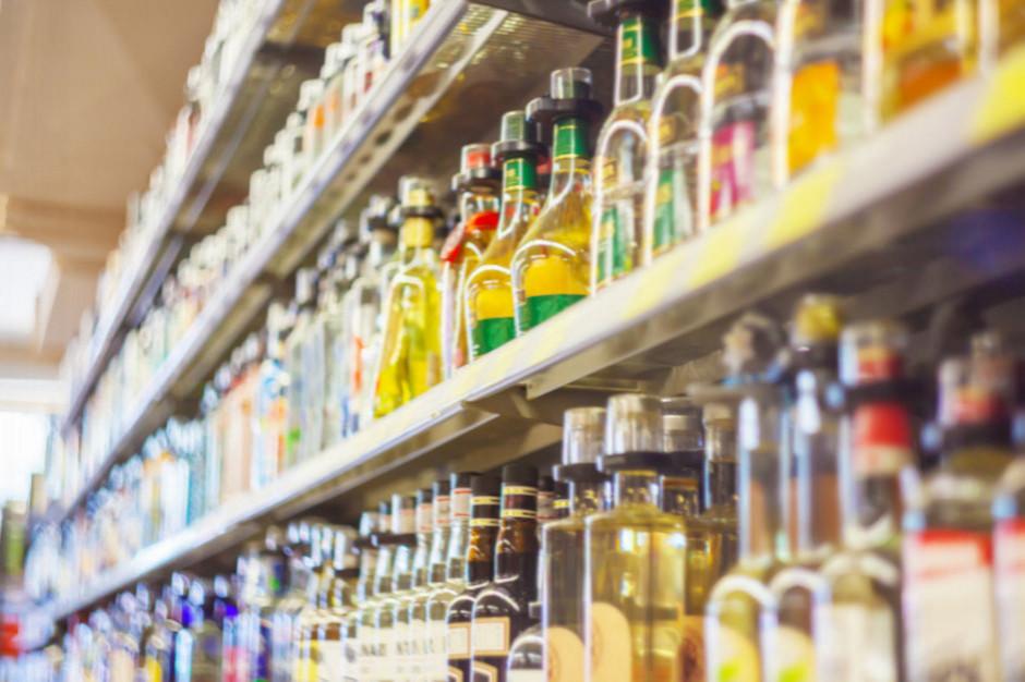 Sejm debatował w środę nad opłatą od słodzonych napojów  i tzw. małpek