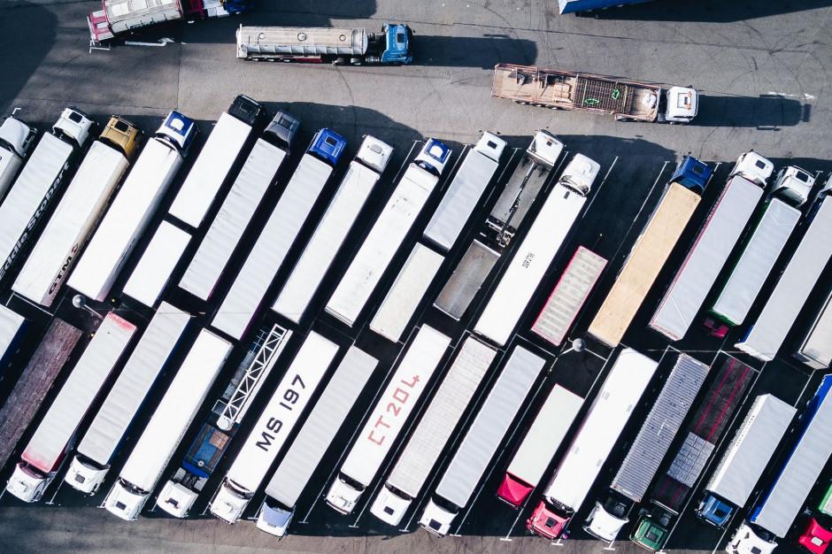Tysiące firm transportowych z Polski wciąż czeka na prawdziwe oblicze Brexitu
