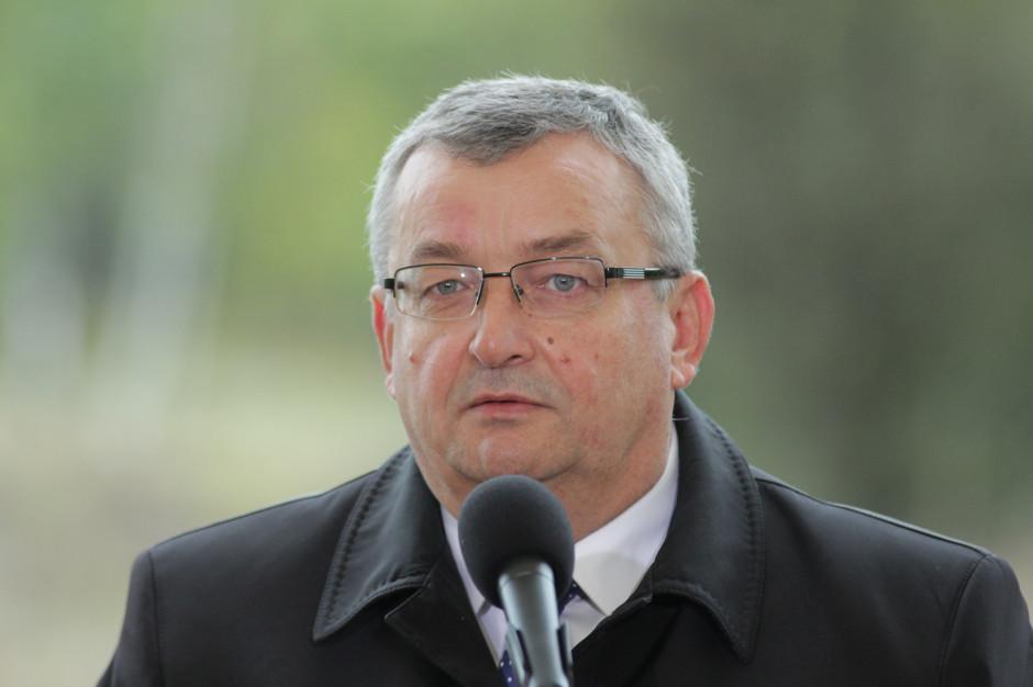 Adamczyk: Polska liczy na usunięcie przepisów UE w sprawie przewoźników drogowych