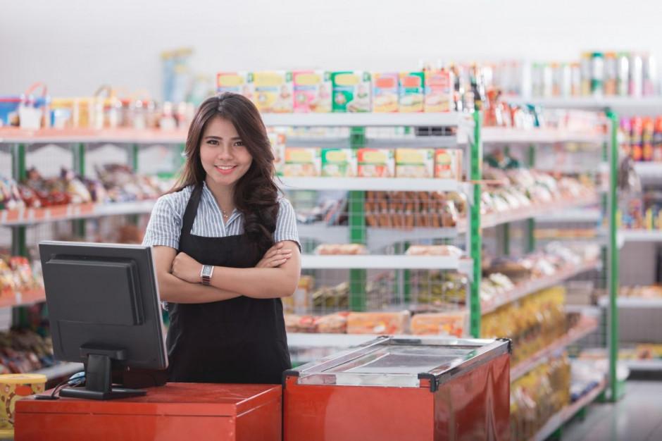 Prezydent Duda z wizytą w sklepie. Opozycja pyta czy będzie unikać w kampanii tematu rosnących cen