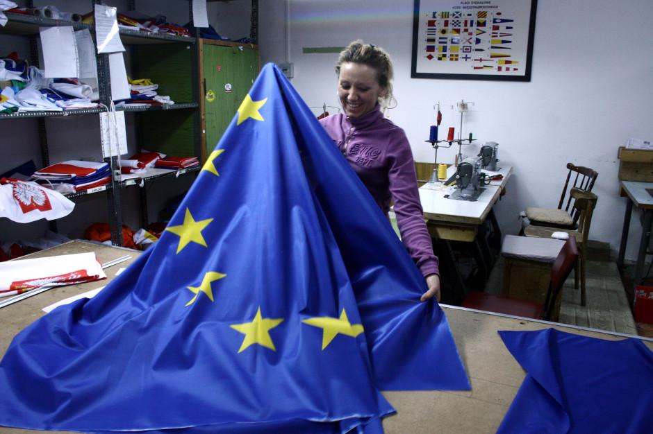 Polacy pozytywnie postrzegają Unię Europejską, ale wciąż nie chcą euro
