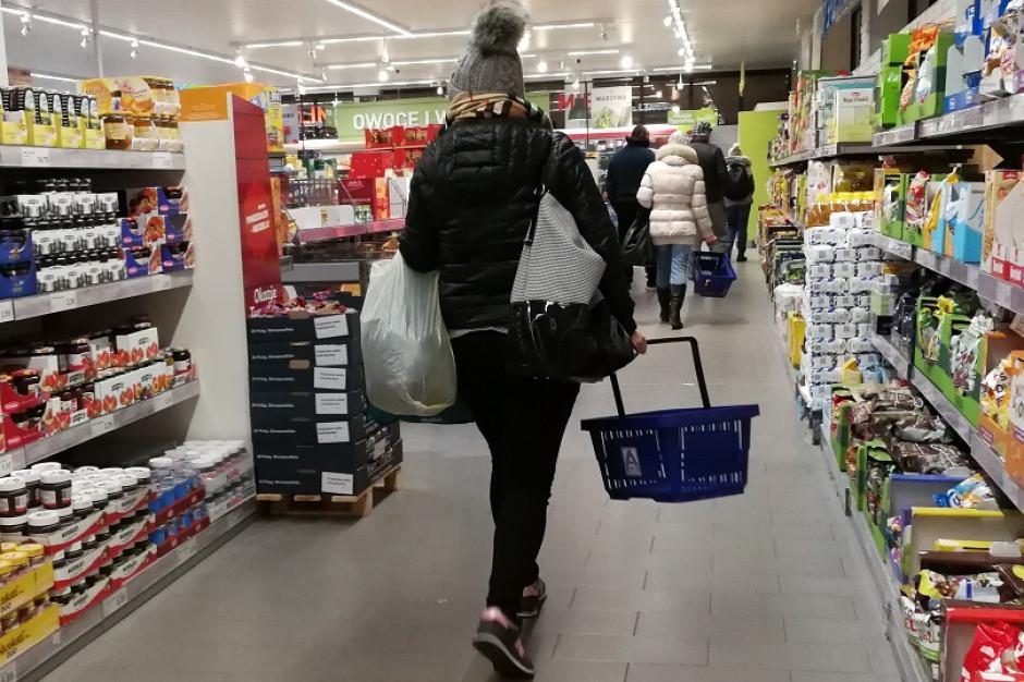 Polacy coraz częściej kradną w sklepach i na stacjach paliw