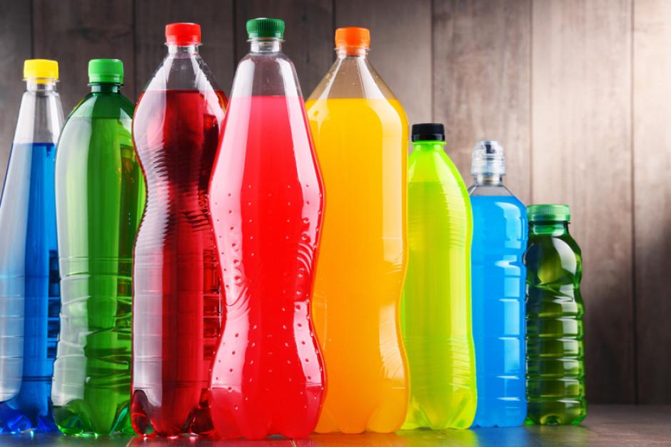 Biznes napojowy rozgoryczony podatkiem od cukru