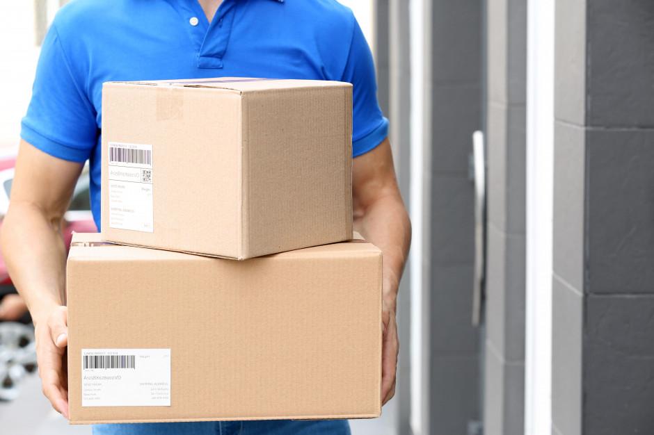Zakupy online dotrą do domów. Firmy kurierskie są gotowe na epidemię