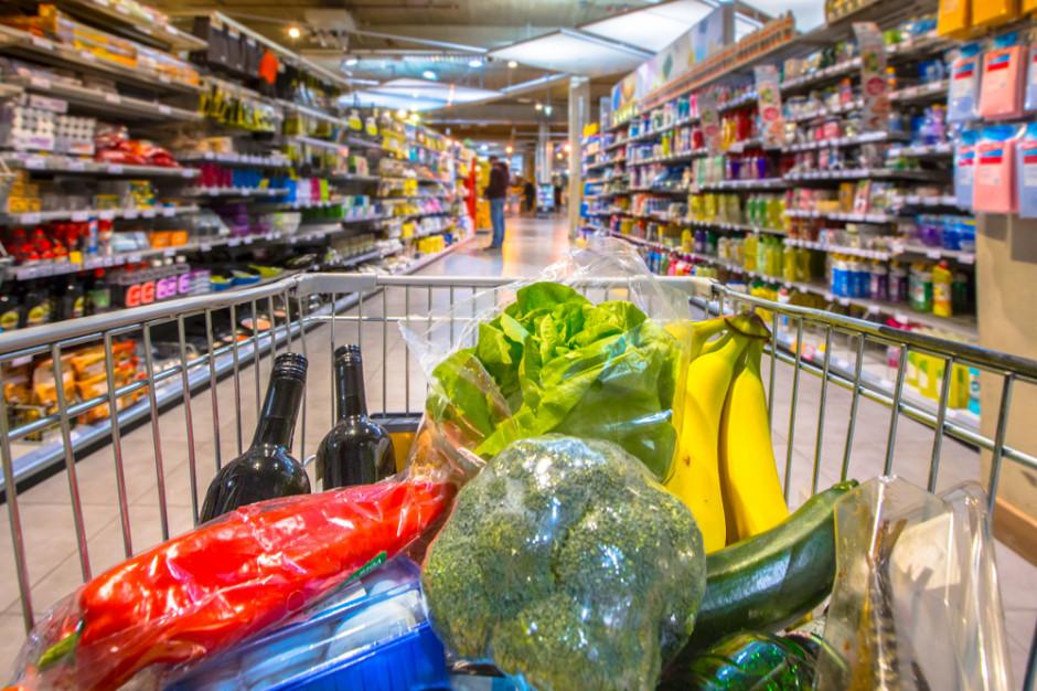 Polacy tracą na nieprzemyślanych zakupach, głównie z powodu żywności (badanie)