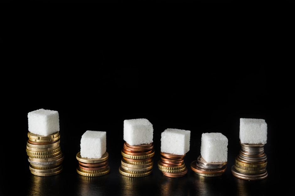 Komisje sejmowe rozpatrzą w piątek poprawki Senatu do ustawy o podatku cukrowym i od