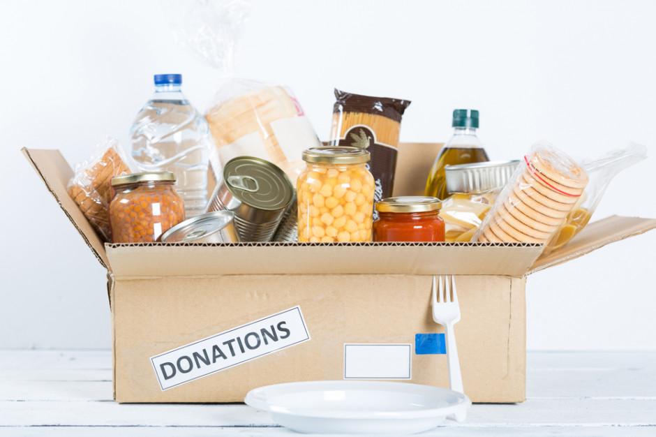 Casualowy piątek: Branża spożywcza ruszyła do pomocy w walce z koronawirusem