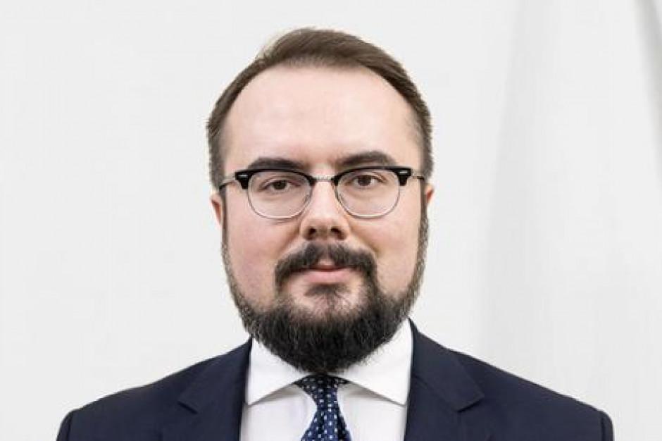 Wiceszef MSZ: UE nie przeznaczyła na walkę z koronawirusem ani jednego nowego eurocenta