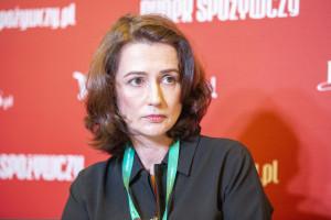 Biedronka zakłada fundację. Przeznaczy 15 mln zł na karty przedpłacone dla seniorów (wideo)