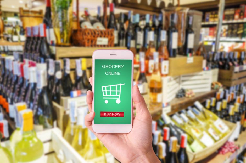Branża winiarska woła do rządu o pomoc i zezwolenie na sprzedaż przez internet