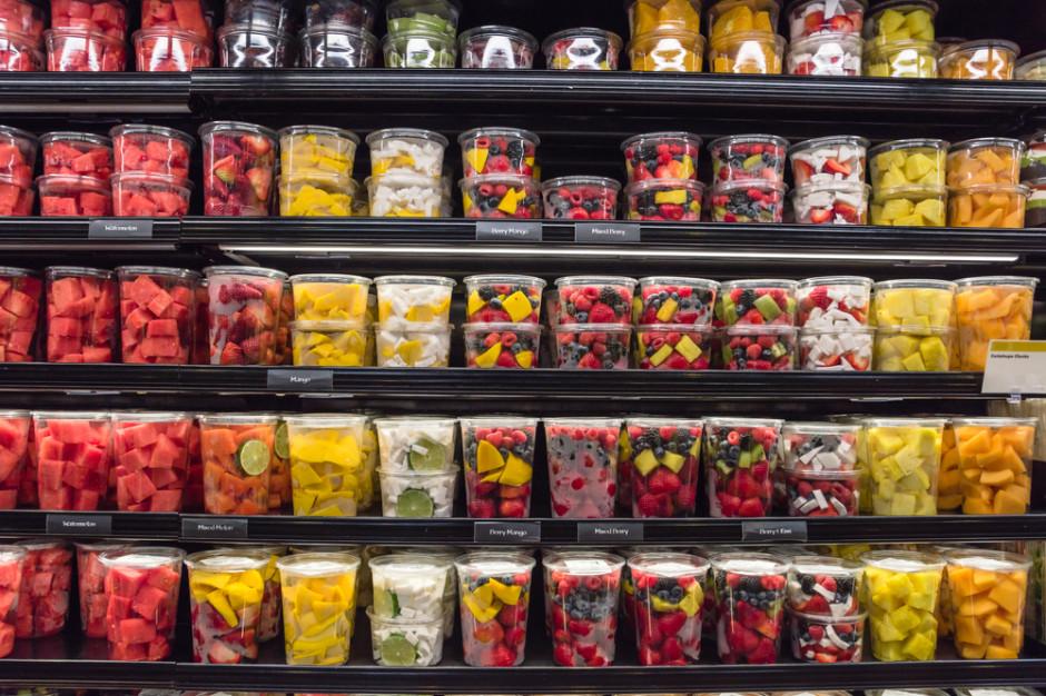 Czy żywność w plastikowych opakowaniach jest bezpieczniejsza w dobie koronawirusa?