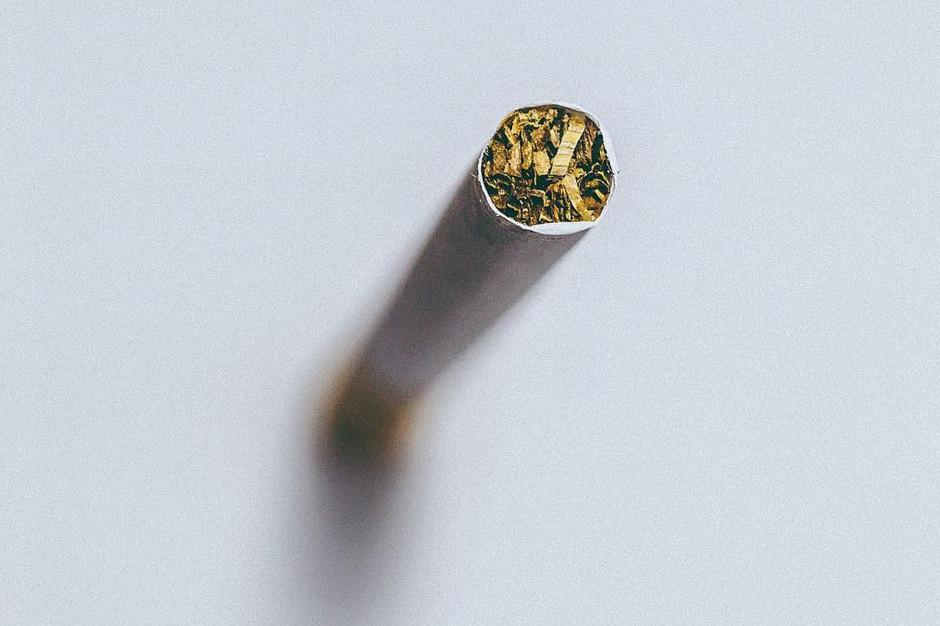 Naukowcy: palenie papierosów może podnieść ryzyko zapadnięcia na Covid-19