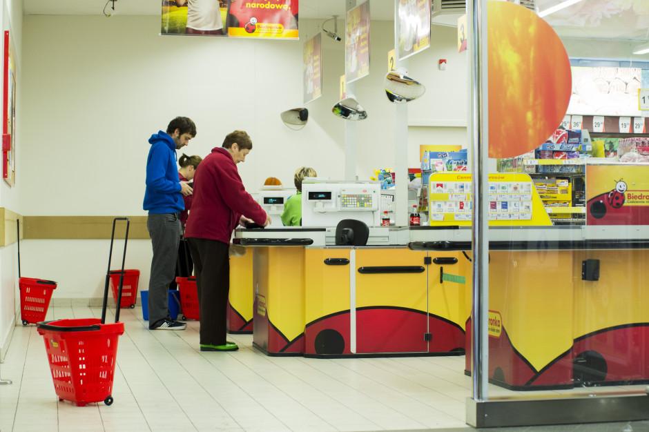 Poznań: Kara dla właściciela Biedronki za dodatkową kasę na wózku sklepowym