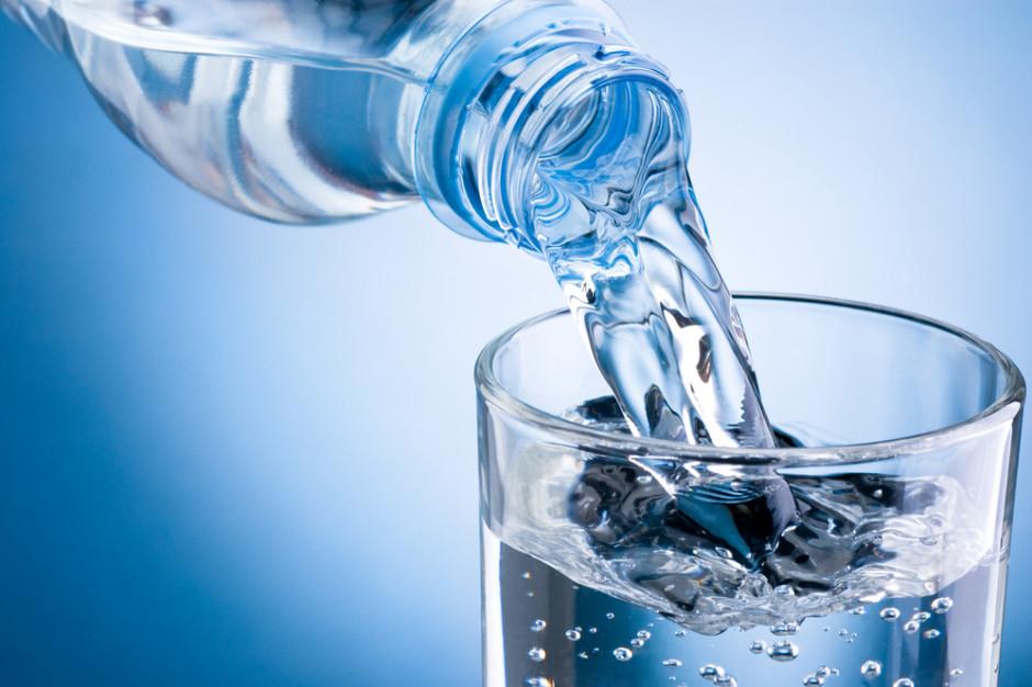 Nielsen: Spada sprzedaż wody