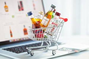 Wszystkie sektory branży alkoholi chcą zmian w prawie i zgody na sprzedaż internetową