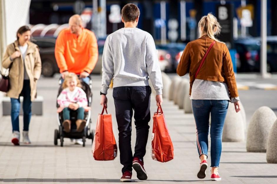 Pandemia przysłuży się tańszym zakupom. Sklepy znalazły sposób