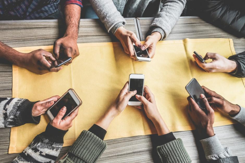 Social media też ucierpią przez koronawirusa, wstrzymywane są działania influencer marketingu