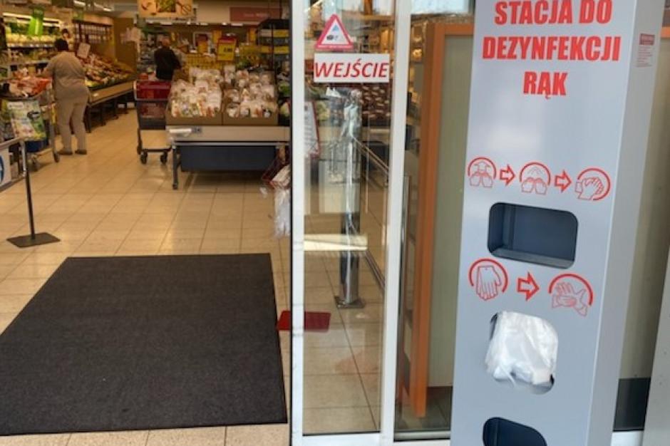 Grupa Muszkieterów uruchamia w sklepach stacje do dezynfekcji rąk