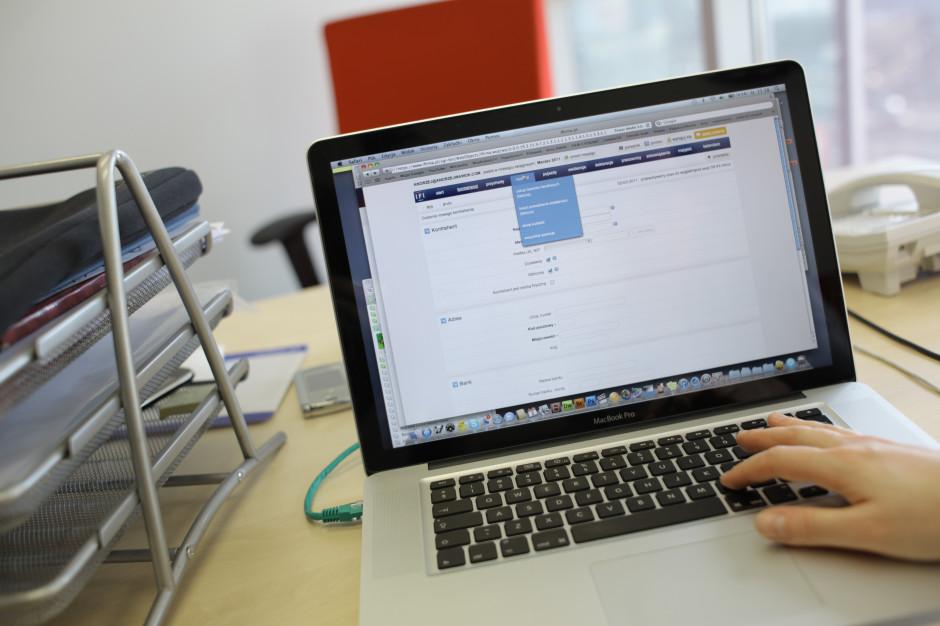 Mężczyźni częściej padają ofiarami cyberprzestępstw (badanie)