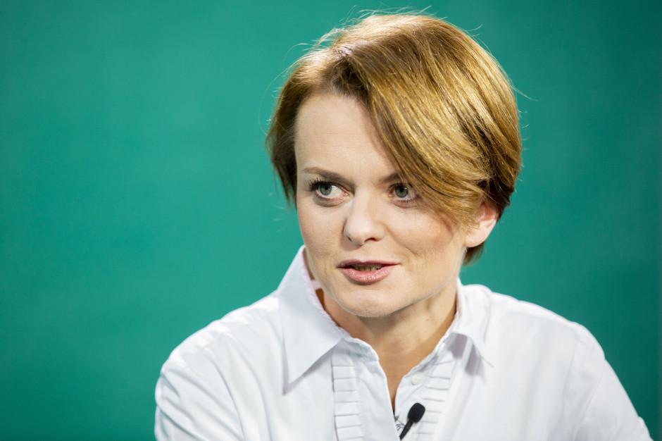 Emilewicz: Pozostajemy w dialogu z kolejnymi branżami do odmrożenia