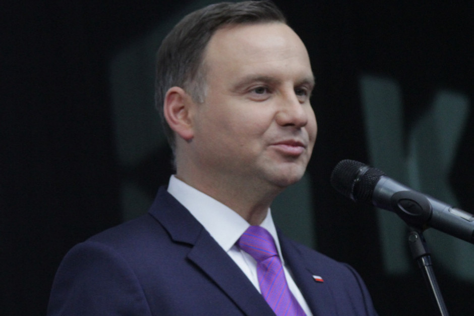 Prezydent zaapelował o kupowanie polskiego mleka, a nie sprowadzanie go z zagranicy