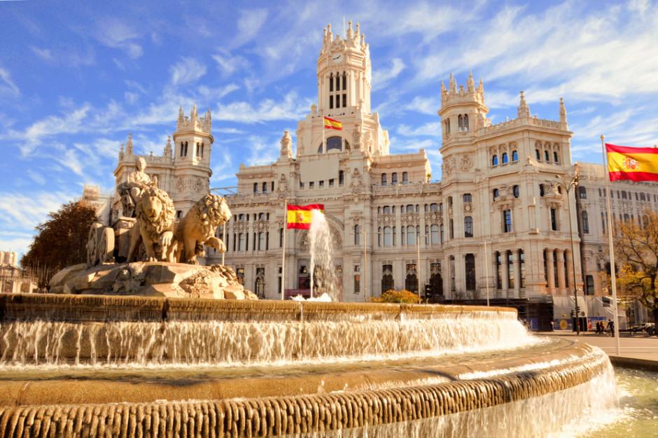 Hiszpański bank centralny wzywa do przekwalifikowania pracowników hoteli i handlu