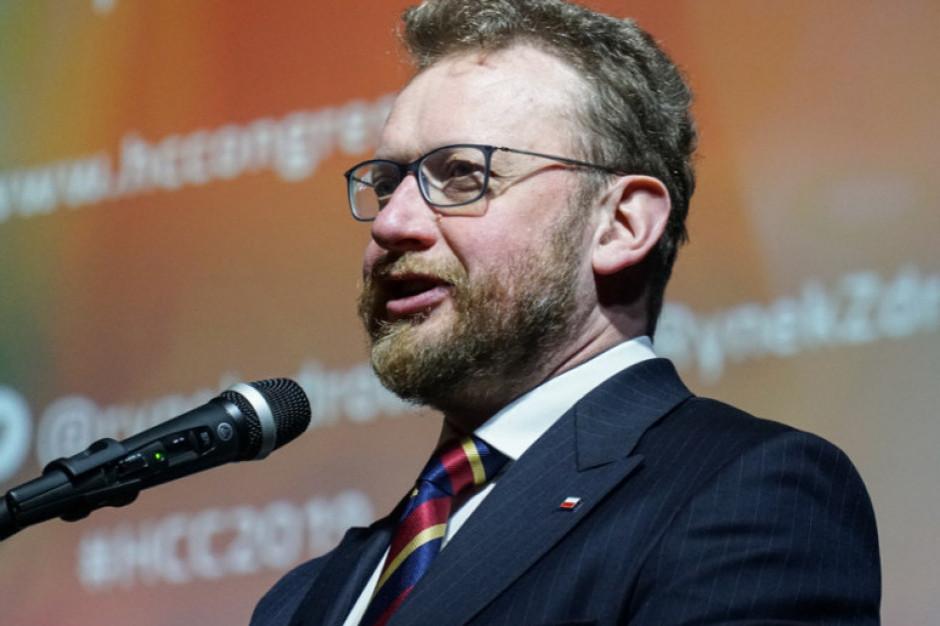 Minister Szumowski: epidemia nie znika, ale przechodzi w fazę pewnej kontroli