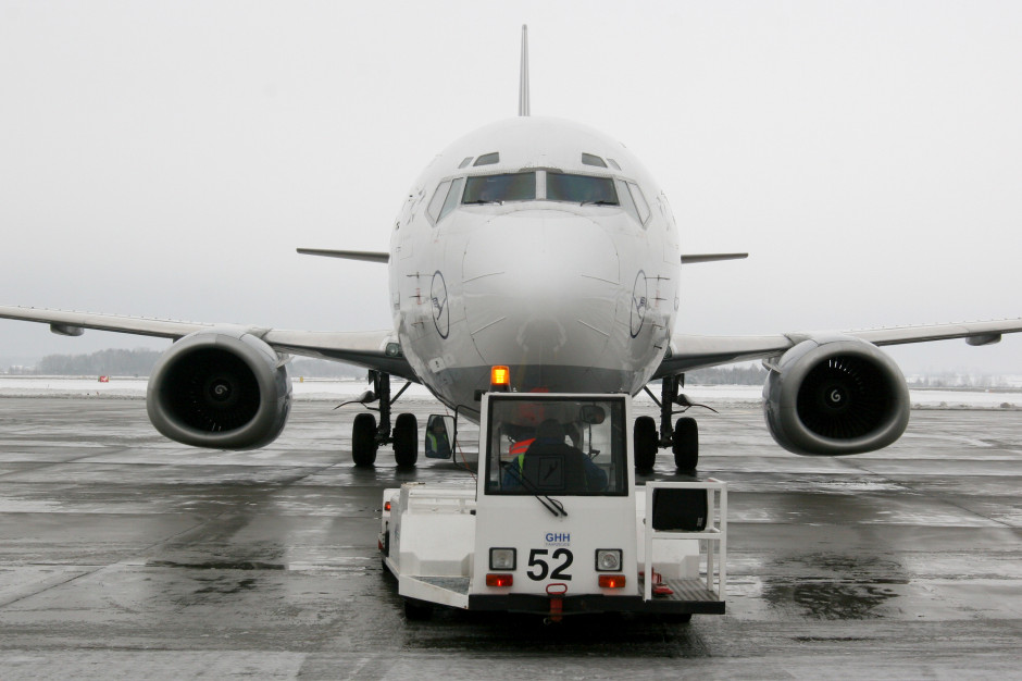 Do Warszawy przybył pierwszy samolot z ukraińskimi pracownikami