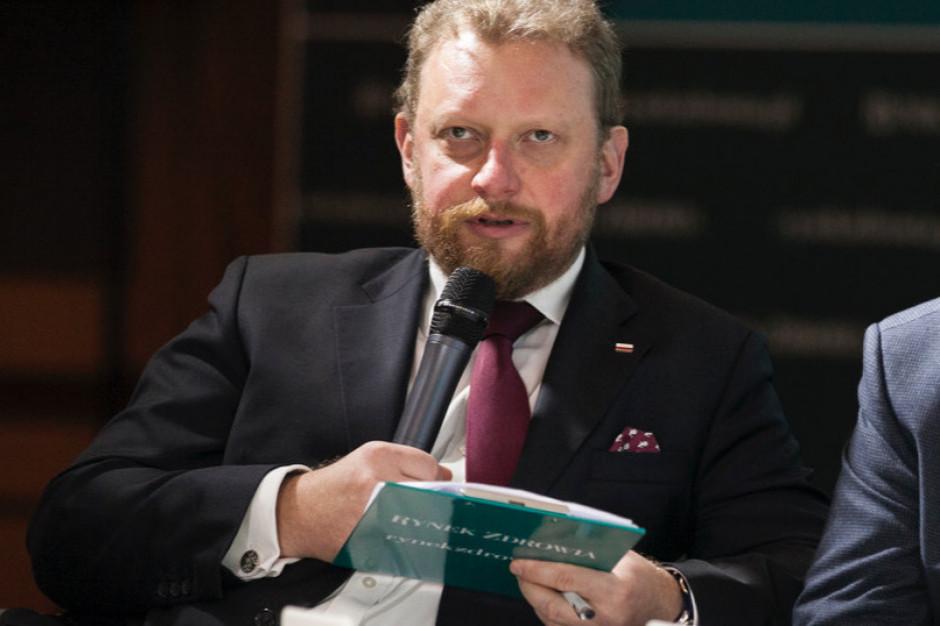 Szumowski: we wtorek nowe rekomendacje dotyczące noszenia maseczek
