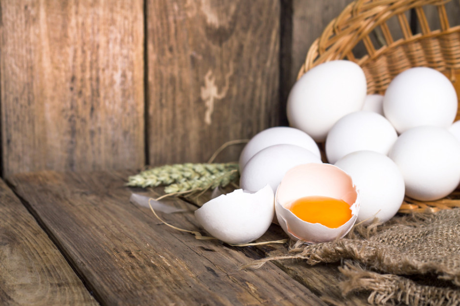 Białe jaja wracają po ponad 40 latach na półki Tesco