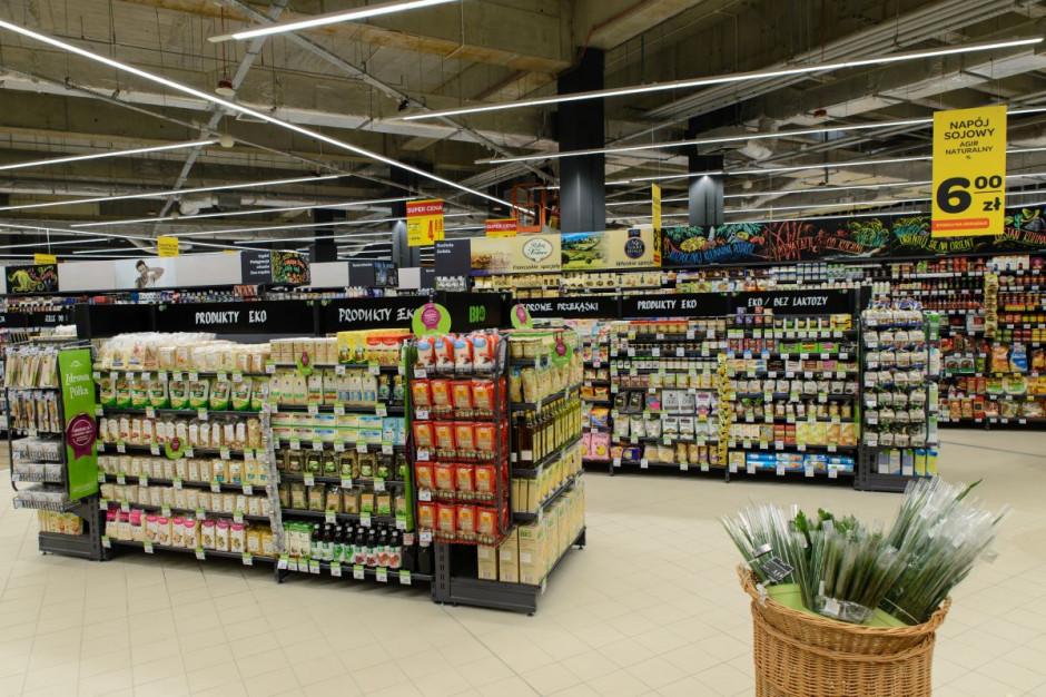 Carrefour zmniejsza ślad węglowy i dalej redukuje ilość zużywanego plastiku