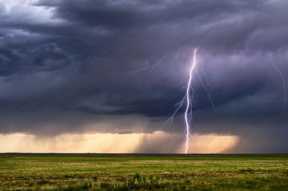 IMGW ostrzega: burze z gradem w każdym województwie