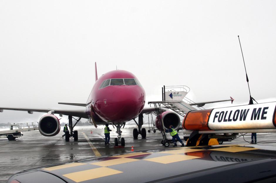 Linie lotnicze rezygnują ze sprzedaży alkoholu na pokładach samolotów