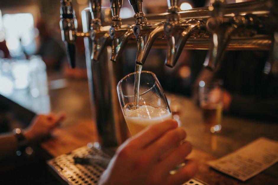 W Wielkiej Brytanii piwo w pubie tylko po podaniu nazwiska i danych kontaktowych