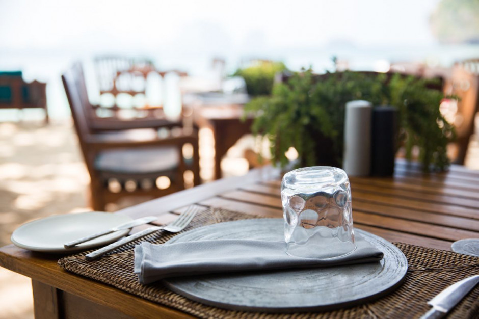 W nowojorskich restauracjach posiłki wciąż tylko na zewnątrz