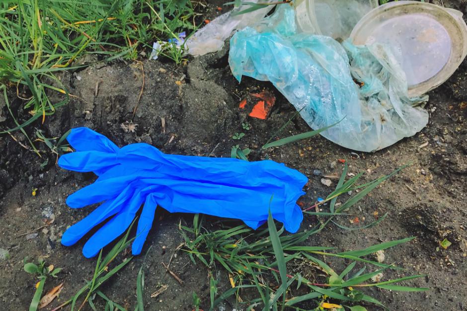 Deloitte: Pandemia pokazała, że nie możemy żyć bez plastiku