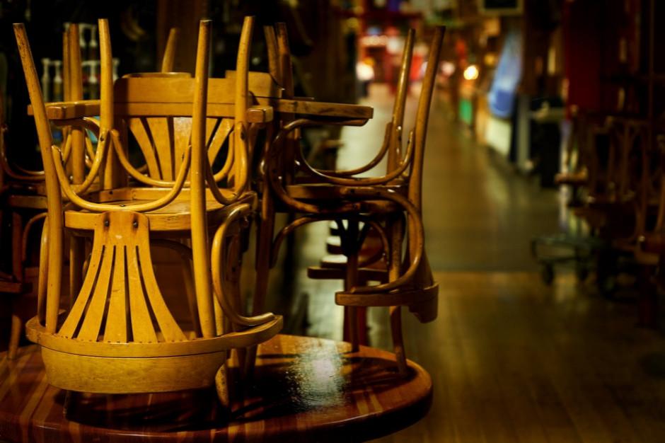 Katalonia ogranicza działalność restauracji na 15 dni