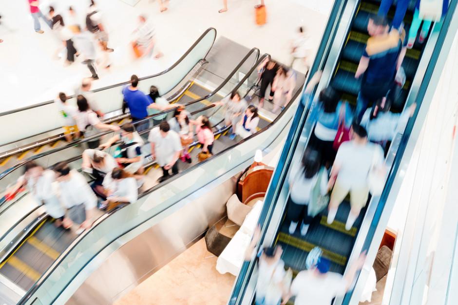 Większy ruch w galeriach handlowych w atrakcyjnych turystycznie miejscach