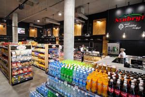 Zdjęcie numer 2 - galeria: Zakłady Mięsne Szubryt uruchomiły flagowy sklep w Nowym Sączu (zdjęcia)