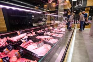 Zdjęcie numer 3 - galeria: Zakłady Mięsne Szubryt uruchomiły flagowy sklep w Nowym Sączu (zdjęcia)