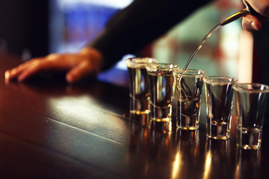 Norwegia zakazuje sprzedaży alkoholu po północy z powodu Covid-19