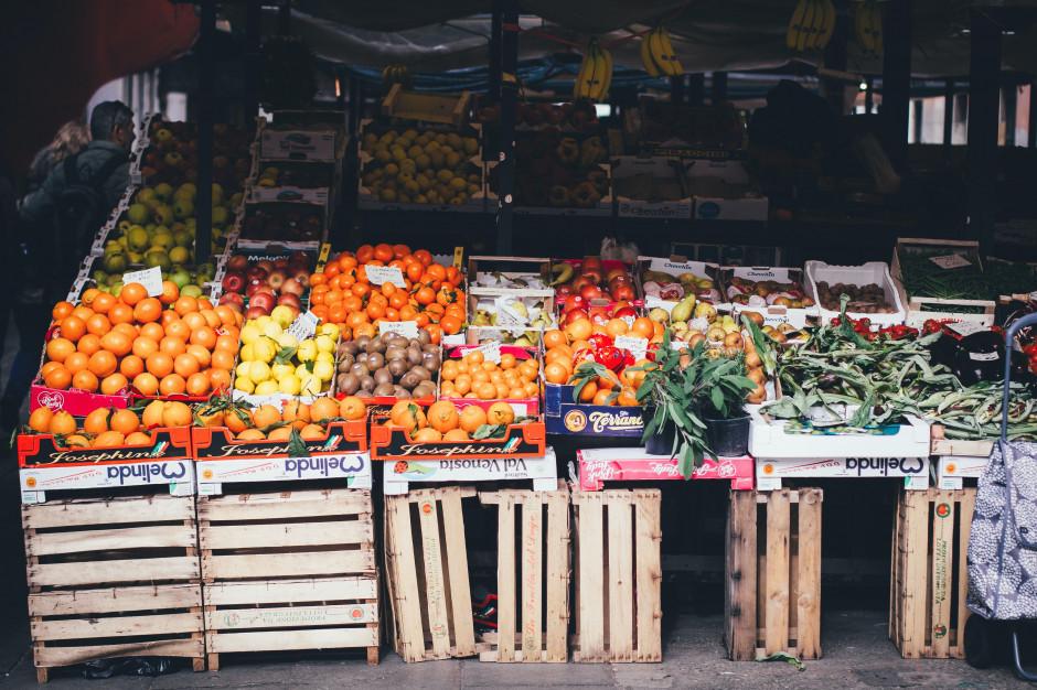 Ceny owoców mocno poszły w górę. Jabłek - nawet o 130 proc.