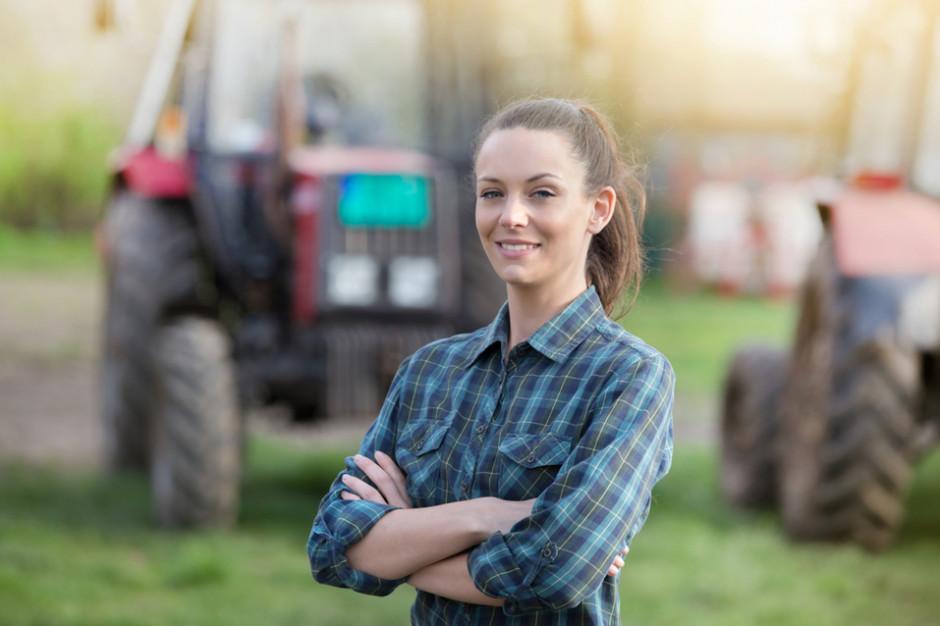 Kobiety związane z rolnictwem są zadowolone z życia na wsi (raport)