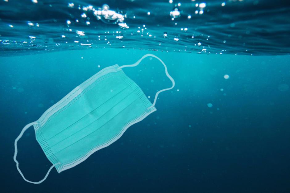 Włoscy rybacy znajdują ogromne ilości maseczek i rękawiczek w sieciach
