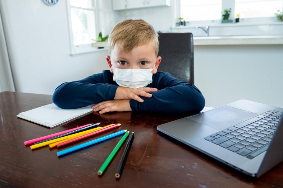 WHO: Dzieci powyżej 12 lat powinny nosić maseczki tak jak dorośli