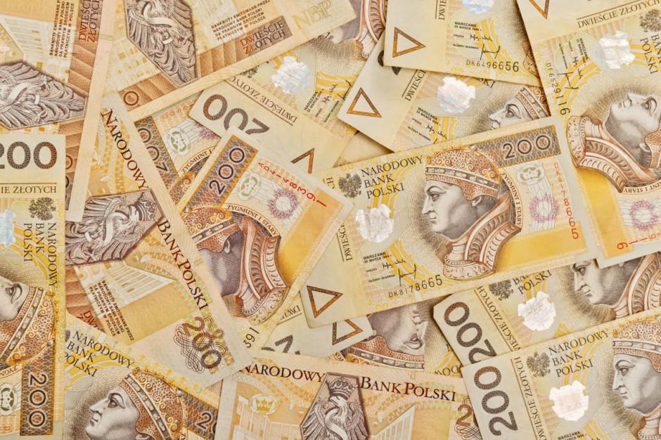 Kobieta zapłaciła nieprawdziwym banknotem, grozi jej 8 lat więzienia
