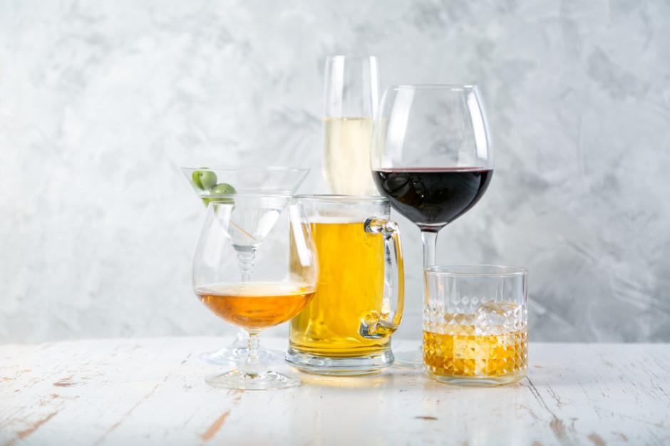Statystyczny Polak wypił w 2019 mniej piwa, ale więcej wina i miodów oraz napojów spirytusowych